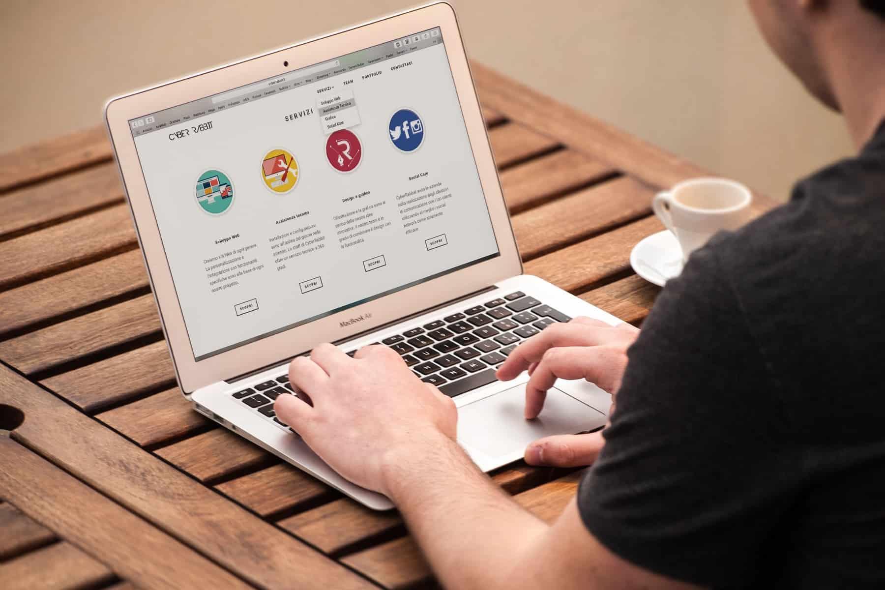 webdesign site, administrare site, campanii promovare Google Adwords, campanii promovare Facebook Ads. realizare magazin online,management retele sociale, florentina iliescu, cum sa faci seo, administrare bloguri, optimizare seo