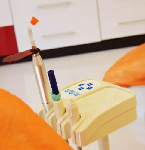 cabinet-stomatologic-rosetti-dent-cabinet-etaj-detaliu-aparat